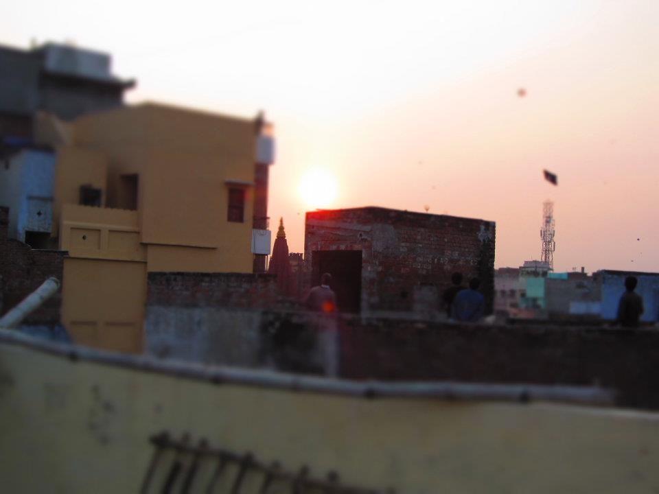 Varanasi sunset kites