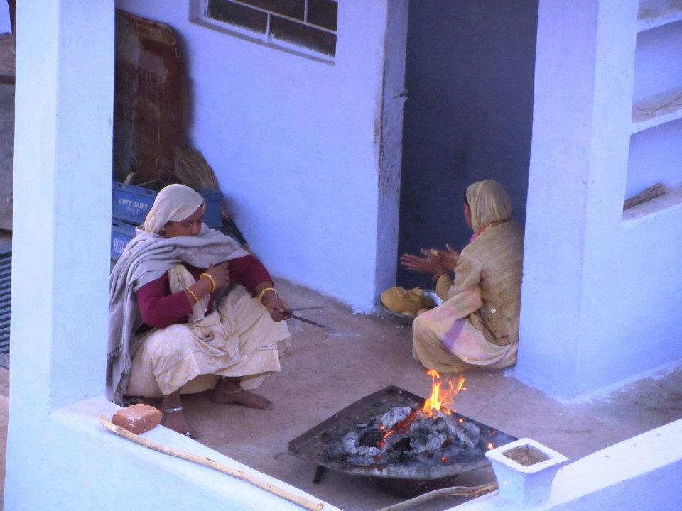Women making chapatis in Bundi