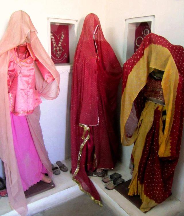 Ghostly saris Bagore-ki-haveli, udaipur