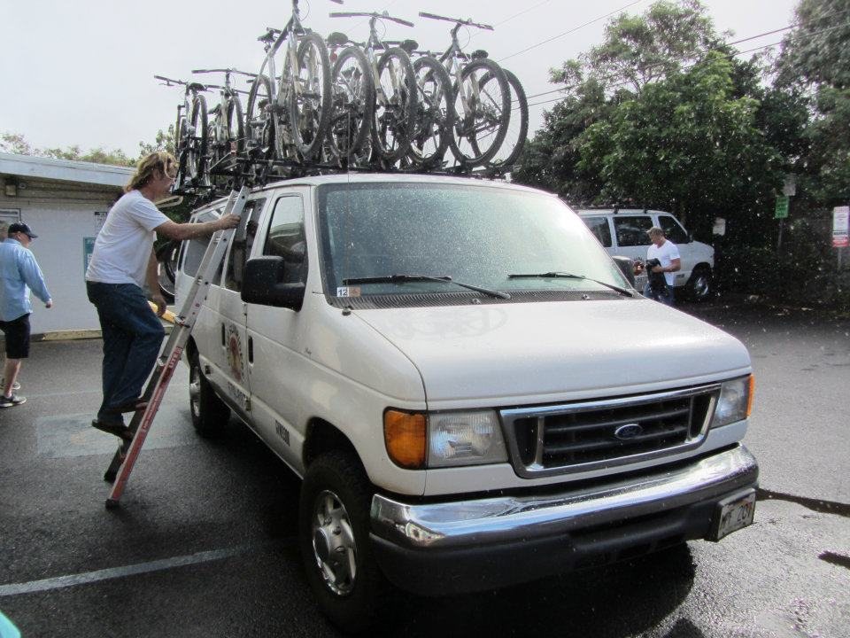 Mike from Maui Sunriders gets our bikes ready.