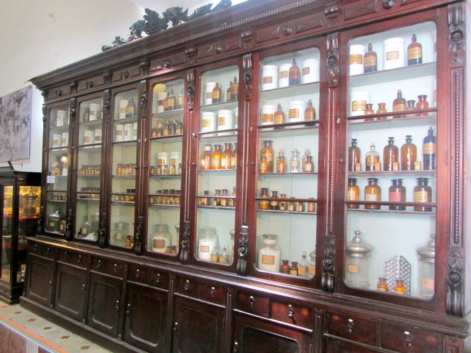 Medicine cabinet, San Telmo, Buenos Aires