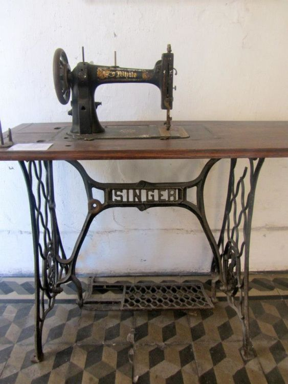 Sewing machine, museo penitentiario, san telmo, buenos aires