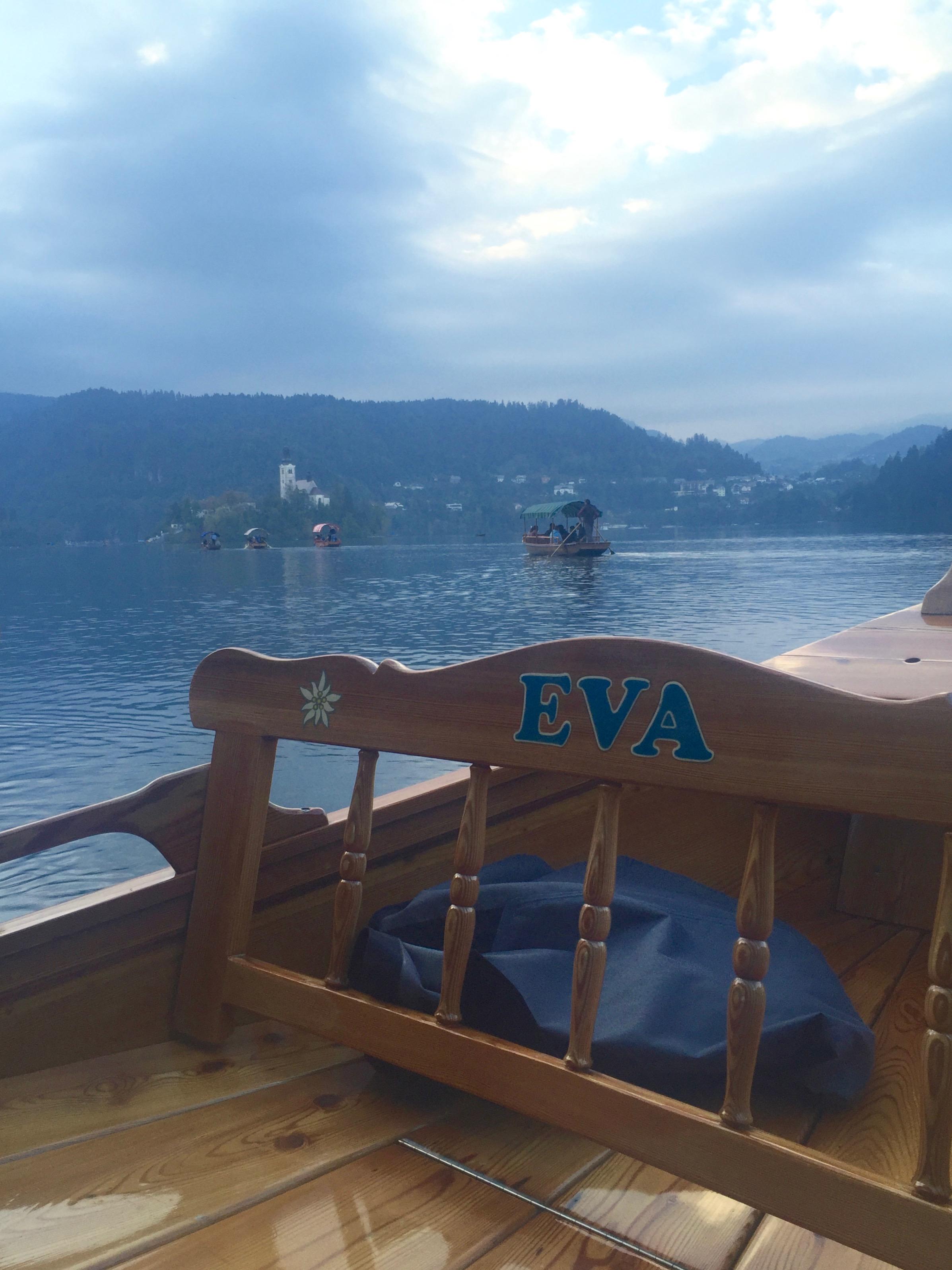 Wedding rowboat to Bled Island