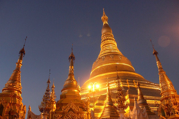 Shwedagon just before dark