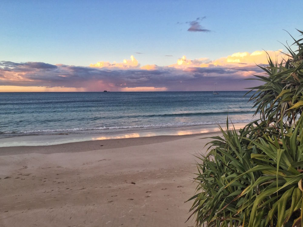 Byron bay good omens lateral movements for The balcony bar restaurant byron bay nsw
